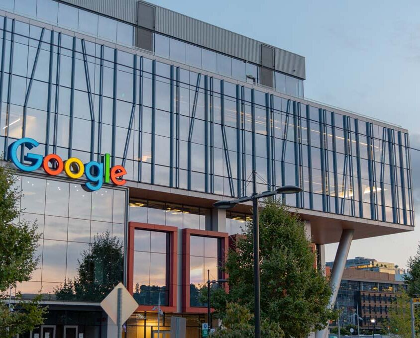 Google Algorithm update 2021 image of Google HQ